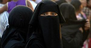 748477-muslim-women
