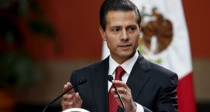Mexico's President Enrique Pena Nieto speaks during a news conference at the National Palace in Mexico City, Mexico January 8, 2016. REUTERS/Edgard Garrido